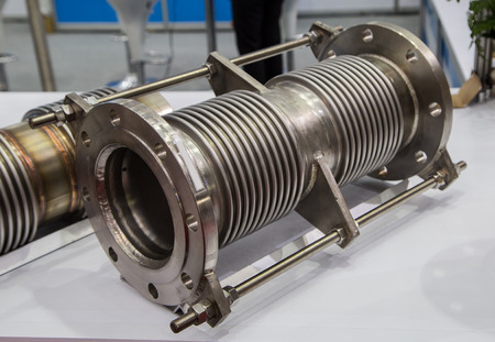 Flexible expansion joint stainless steel flange connection Stockfoto