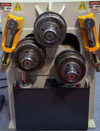 Section and pipe bending machine, Industrial machining metalwork 写真素材 - 114429171