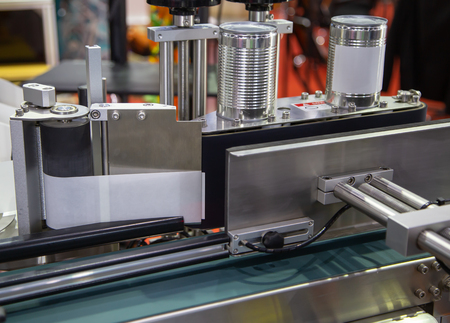 Full automatic tin can label machine in food production line