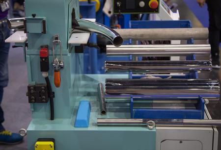 Curved tube process on pipe polishing machine