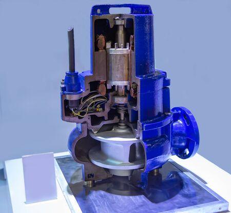 Cut-away industry vertical submersible motor pump