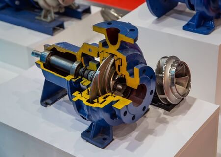 Cut-away show cross section of industry centrifugal blue pump Imagens
