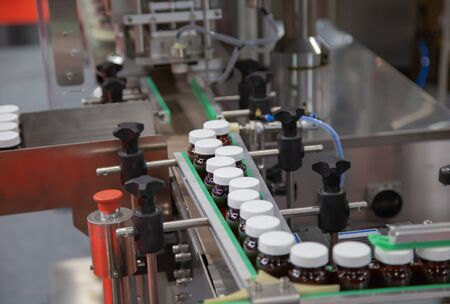 Pharmaceutical process of capsule filling and capping machine