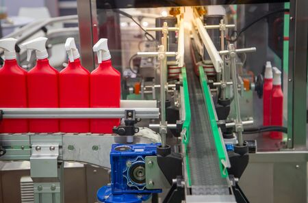 Production of foggy spray bottle filling machine