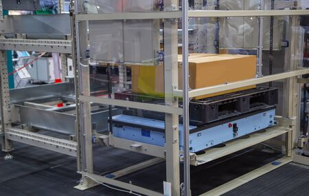 Rack Sorter, Modern automated storage and retrieval system for pallet Фото со стока