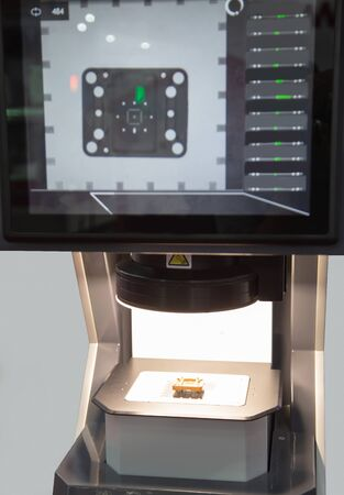 Mechanical part inspecting on optical measuring machine