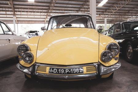 Nakhon Pathom, Thailand - August 3, 2019: Vintage 1962 Citroen ID 19P exhibit at vintage car collector garage in Nakhon Pathom province Redactioneel