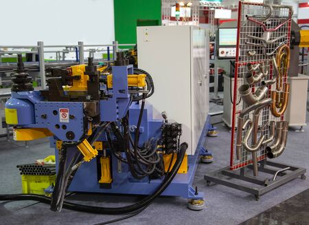 3D Pipe bending machine and pipe bending products