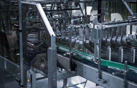 Bundle shrink packaging wrapping machine in food industry