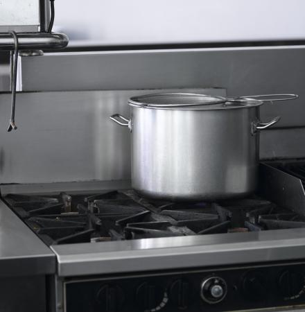 Équipement de cuisine de restaurant cuisine industriel Banque d'images
