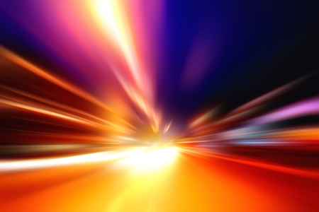 v�locit�: Rapide et le mouvement d'acc�l�ration de vitesse sur la route Furious nuit Banque d'images