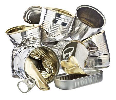 tin cans: Stapel blikjes