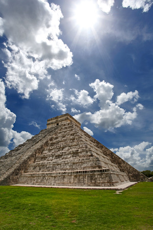 The Castillo, Pyramid Kukulkan, Chichen Itza, Mexico