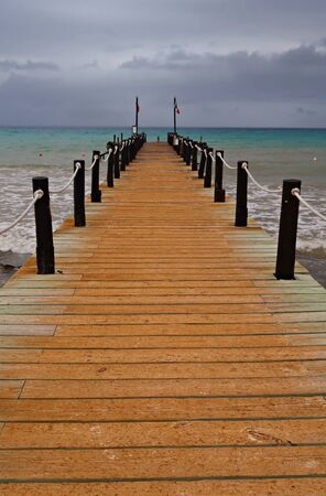 Taucher am Strand, flacher Fokus