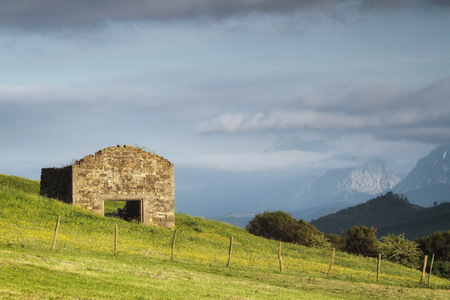 Larrabetzu is a beautiful village located in the Txorierri valley, in the heart of Bizkaia (Basque Country). 版權商用圖片
