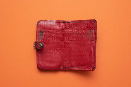 Old retro female leather wallet flat lay background. Stockfoto