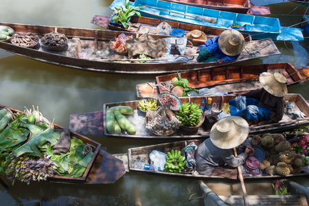 floating: Floating market in Thailand.
