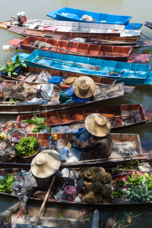 saduak: Floating market in Thailand.