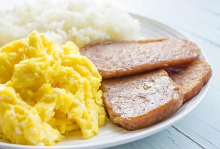 Common Hawaiian breakfast of spam, eggs and rice Stock Photo