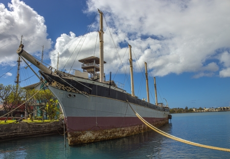 Falls of Clyde, a fully-rigged, four-masted sailing ship docked in Hawaii Stock Photo