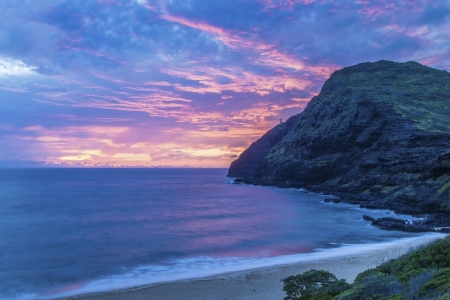 hawaii sunset: Beautiful sunrise at Makapuu Beach on Oahu, Hawaii