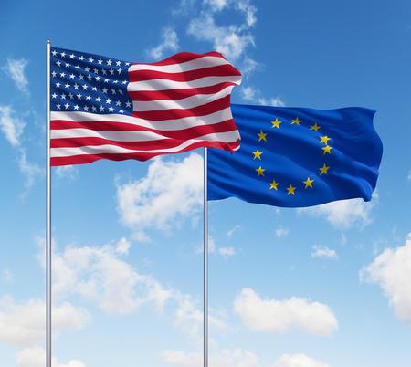 banderas americanas: dos banderas de EE.UU. y la Uni�n Europea sobre un fondo de cielo