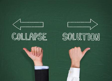 derrumbe: dando pulgar hacia arriba, el colapso y la soluci�n concepto de mano
