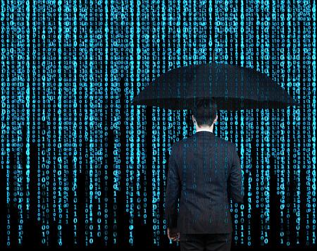 tecnologia informacion: hombre de negocios con paraguas que se apareci� a trav�s del fondo de la matriz