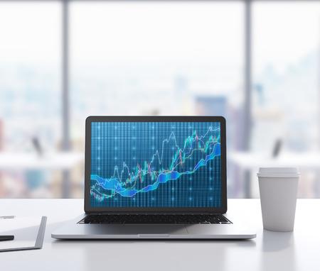 Er zijn een laptop met forex grafiek op het scherm, blocnote en een kopje koffie op de tafel. Een moderne werkplek. 3D-rendering. Moderne kantoor met een panoramisch uitzicht op New York in beeld op de achtergrond.
