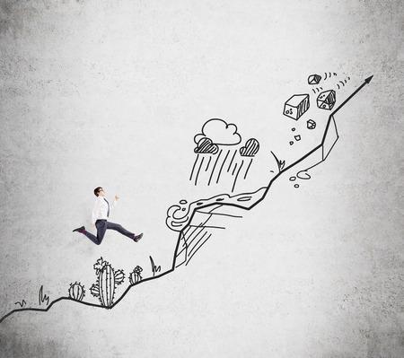 Jonge zakenman klimmen, een foto van een steil pad met hindernissen zoals cactus, berg, storm, stonefall op de achtergrond. Concept van de groei.