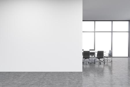 パノラマ ビューの窓、会議のテーブルの前に空のオフィス、白い壁。新事務所のコンセプトです。3 D レンダリング