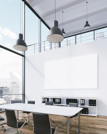 Salle de réunion pour six, affiche vierge sur le mur, lampes ci-dessus. Fenêtre panoramique, vue sur la ville, la lumière naturelle. Grenier. Concept de réunion. rendu 3D
