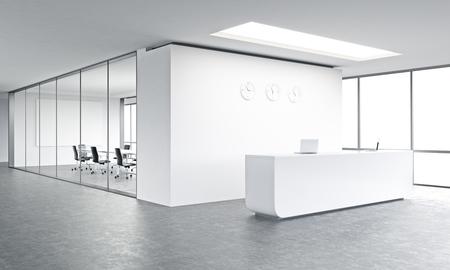 Leeg bureau, wit ontvangst op witte muur, drie klokken op. Panoramisch raam rechts, vergaderzaal achter. Concept van de opvang. 3D-rendering Stockfoto