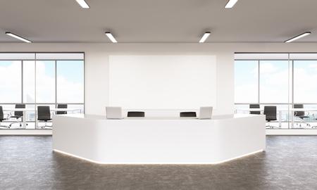 Lege witte receptie met laptops, bord op de muur achter, ramen en vergaderzalen op de achtergrond, uitzicht op de stad. Concept van de opvang. Mock-up. 3D-rendering