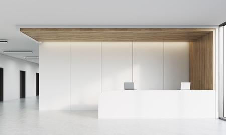 Vista frontal del pasillo de la oficina con recepción, ordenadores portátiles y de larga hilera de puertas. Concepto de cultura de la oficina. Representación 3D. Bosquejo. Foto de archivo
