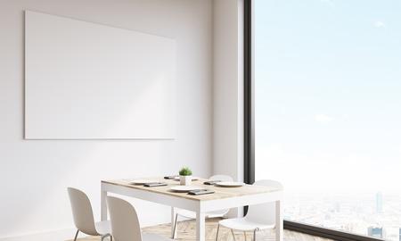 Zijaanzicht van grote horizontale poster op witte keuken muur ...
