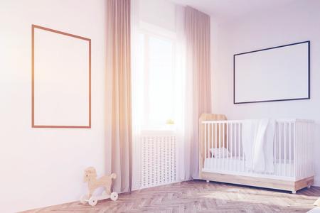 Babykamer In Hoek : Close up van een kinderkamer met een bed een boekenkast en een