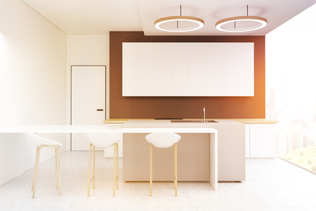 Great Kücheninnenraum Mit Einer Dunkelgrauen Wand, Einem Langen Horizontalen  Plakat, Das An Ihm, Einem