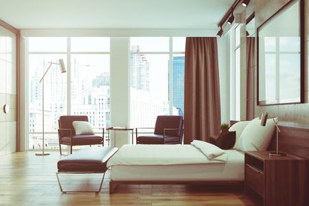 Luxe slaapkamer met lichtgrijze en witte muren, loft ramen, een houten vloer, een bed met twee fauteuils en een poster. Zijaanzicht. 3D-rendering mock up afgezwakt beeld