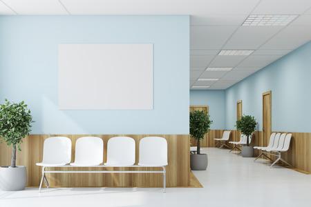 医師の訪問を待っている患者のためのドアと白い椅子が付いている青く、木製の病院の廊下。ポスター3D レンダリングモックアップ