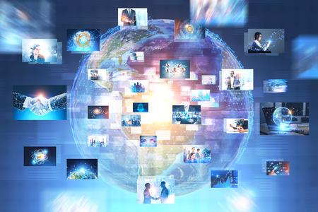 Holograma de la Tierra con muchas imágenes comerciales sobre él. Concepto de alta tecnología. Doble exposición de imagen tonificada.