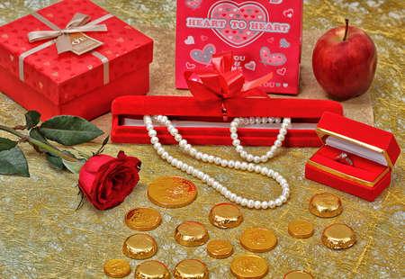 white pearl, valentine gift