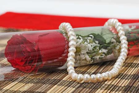 diamond ring: white pearl, valentine gift