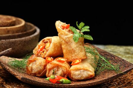 Lumpia Semarang, spring roll Indonesian cuisine Foto de archivo