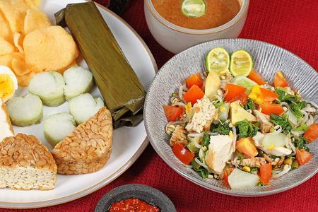 gado: gado gado, famous Indonesian vegetables salad