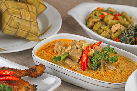 Lebaran Ketupat, comida indonesia para el día festivo Foto de archivo - 30019640