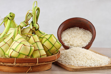 ketupat lebaran, Indonesian food for festive day