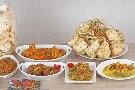 Comida indonesia para el día festivo Foto de archivo - 30420503