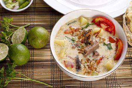 ソトベタウィ、Indoneisian 食品 写真素材