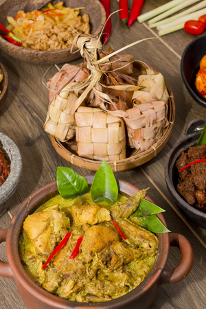 opor ayam, Indonesian chicken Curry Stock Photo - 83154812